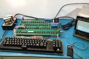 Apple-1-techshohor